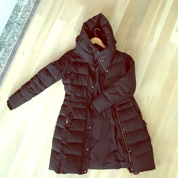 c3b59a3c1 Black puffer jacket with gold detail - Zara - L